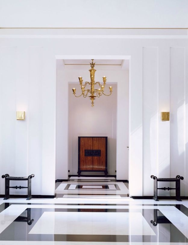 Black and White Rectangular Marble Floor Design